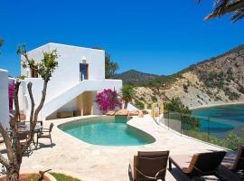 Cala Llonga Villa Sleeps 10 Pool Air Con WiFi