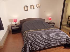 Studio One, hotel in Rochefort