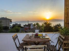Charming place with sunset views by the beach
