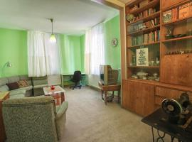 Retro & Friendly Old Town House with a Garden