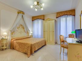 Hotel At Leonard, hotel near Basilica San Marco, Venice