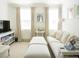 Beautiful Lymington New Forest Getaway, hotel in Lymington