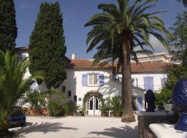 Hotel Villa Provencale, hotel near La Mole Airport - LTT,
