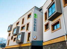 moun10 Jugendherberge, hotel near Zugspitzbahn - TalStation, Garmisch-Partenkirchen