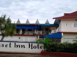 Sunset Inn Apartment Hotel, hotel in Kingston