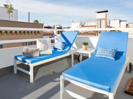 Sitges Group Blue & White close to Beach, apartment in Sitges