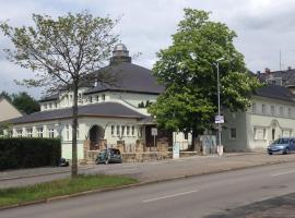 Im Ballhaus Neuhilbersdorf