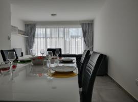 Ix-Xlokk Apt. C3 Wind Rose Gozo, hotel in Għarb