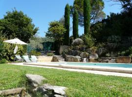 Agréable villa familiale avec piscine privée, jolie vue sur le Luberon, 8 personnes, LS2-77 LOU PAISAGE