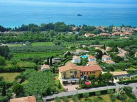 Albergo Panoramica, hotel near The Olive Oil Museum, Bardolino