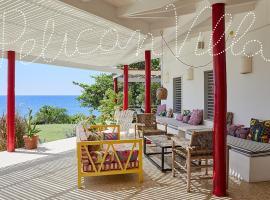 Pelican Three-Bedroom Villa, hotel in Treasure Beach