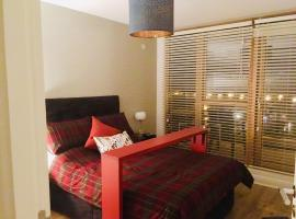 Deluxe Double Room in Modern B&B Apartment, close to RDS & Dublin Centre, bed & breakfast a Dublino