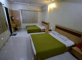 Hotel R N Cube