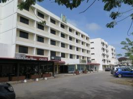 Sea View Resort Hotel & Apartments, מלון בKuala Belait