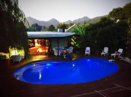 Tube 'n Axe Boutique Lodge Backpackers & Camping