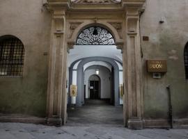 Hotel Duomo, hotel in Siena