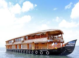 Symphony Cruise Houseboat, luxury hotel in Alleppey