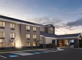 Country Inn & Suites by Radisson, Erie, PA, hotel with pools in Erie