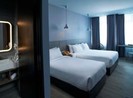 Urban H Hotel