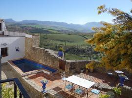 Los 10 mejores hoteles con piscina de Sierra de Grazalema ...