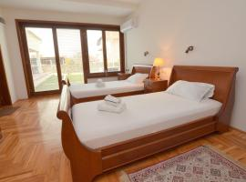 Mladenovic apartments