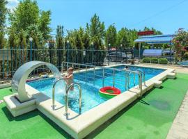 Hotel Edelveys, hotel near Nemo Anapa Dolphinarium, Anapa