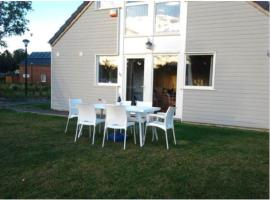 Bungalow du Lac, self catering accommodation in Froid-Chapelle