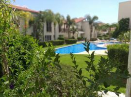 Horizon Luxury Apartment, hotel in Oroklini