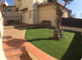 Magnifica casa al lado de la playa y Barcelona con wifi