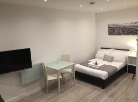 Redbrick Serviced Apartments - Sherwood House