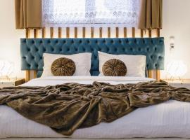 Dome Luxury Rooms in Chania City Center, guest house in Chania Town