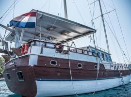 Atlantik - Boat&Breakfast