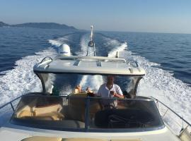 Bed&travel luxury boat