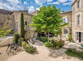 Le Clos de Gordes, hotel with pools in Gordes