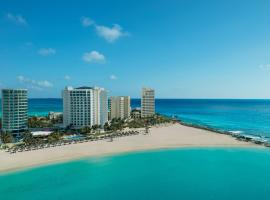 Reflect Cancun Resort & Spa - All Inclusive, family hotel in Cancún