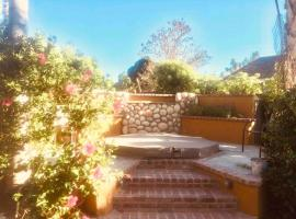 Gilligan's Island - Temecula Vacation Home, Spa, Waterfalls, Putting Green, Bon Fire Pit