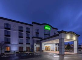 Wingate by Wyndham Erie, hotel with pools in Erie