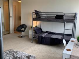 Luxury Wilshire Penthouse Hostel