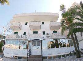 Salent Hotel, hotel a Porto Cesareo