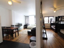 Great Astoria Apartment - 10 min to Manhattan and LGA - Sleeps 4!