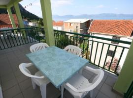 Apartments and rooms with parking space Gradac (Makarska) - 2784