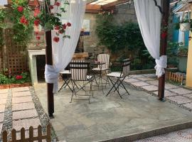 House with back yard, accessible hotel in Alexandroupoli