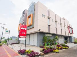 OYO 871 Aira Costel, hotel in Cianjur