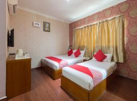 OYO 998 Queen City Hotel