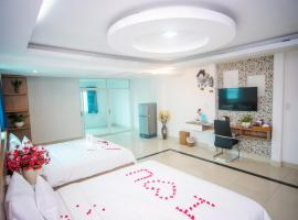 H79 HOTEL, hotel near Tan Son Nhat International Airport - SGN, Ho Chi Minh City
