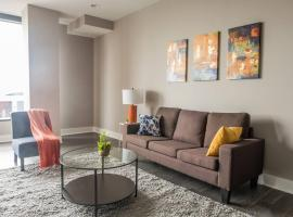 Center of Everything - 1br w/ Balcony + Parking