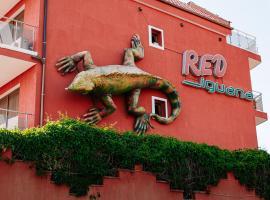 Red Iguana Hotel