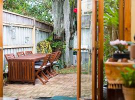2 Bed Renovated Terrace - Erskinville