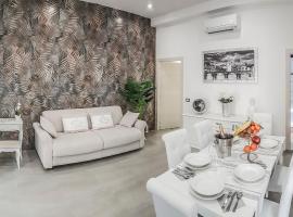 NEW MOON LUXURY APARTMENT, hotel em Lido di Ostia