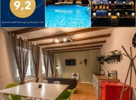 Rooms4ring@ Nürburgring Designer Villa, holiday home in Adenau